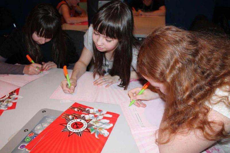 Фото к Школьники узнали о науке побеждать в Информационном центре атомной отрасли Челябинска