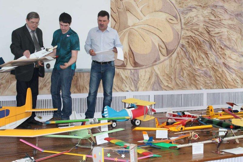 Фото к От технического творчества к техническому образованию — в перспективности такого профессионального пути убедились участники областной выставки технического творчества