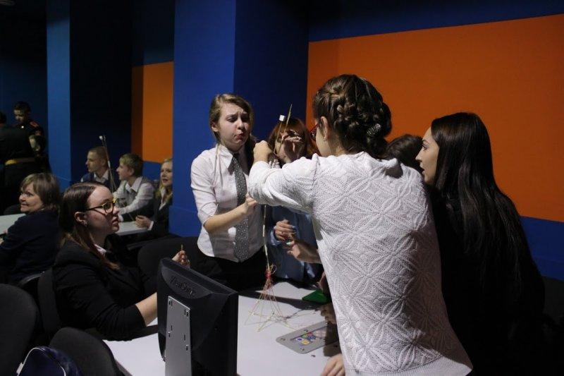 Фото к «Шаг в будущее»: в Челябинске прошли соревнования лучших молодежных исследователей страны