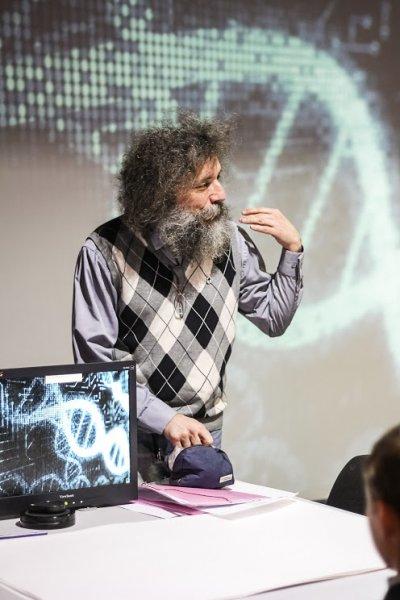 Фото к Все мы немножко неандертальцы: более 200 жителей столицы Южного Урала стали участниками проекта «Энергия науки»
