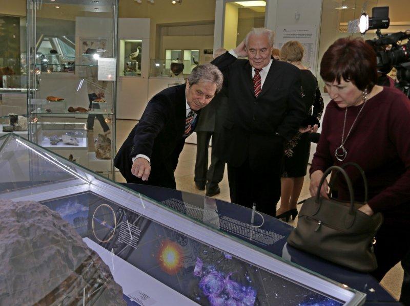 Фото к «Ядерный щит России»: в Челябинске открылась выставка истории советского атомного проекта