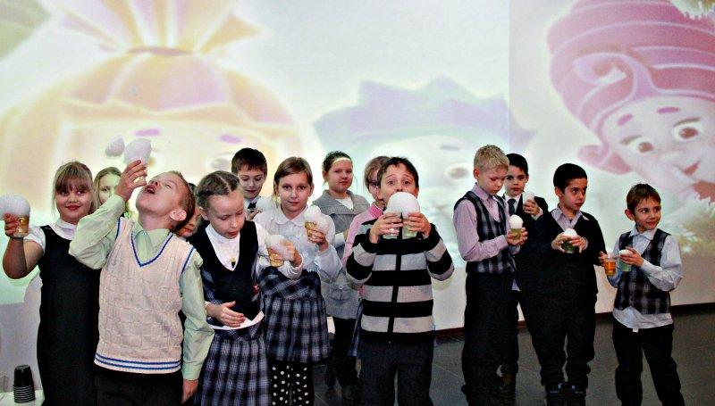 Фото к Праздник, который всегда с тобой: в сети ИЦАЭ прошли новогодние «Научные елки»
